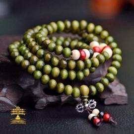 collier tibétain Mala en bois verveine 108 perles