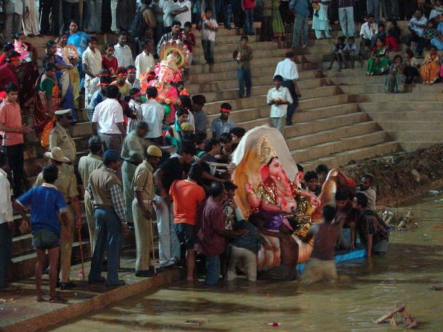Immersion-de-Ganesh © Bed & Chaï Blog